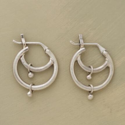 DOUBLE TIER HOOPS