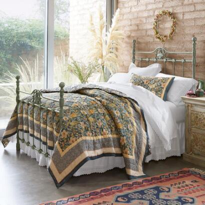 SHELL SEEKER BED
