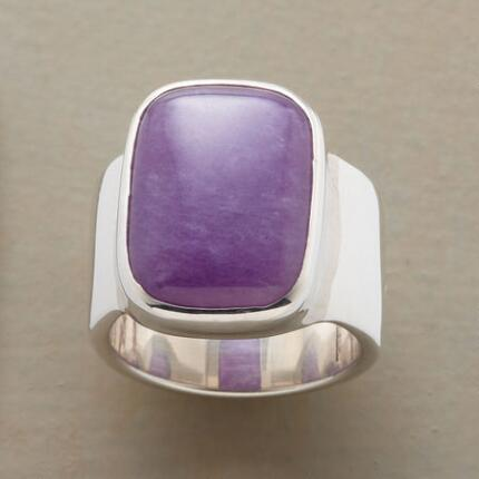 Resplendent in purple, this lavender jade cabochon ring is truly enchanting.
