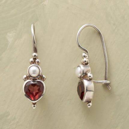 PEARLY HEARTS EARRINGS