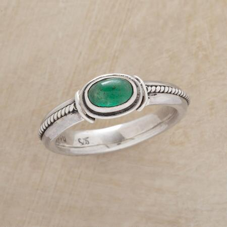 You'll love the subtle twists in this roped emerald cabochon ring's design.