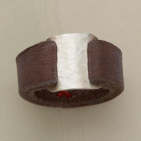 METAL MEETS LEATHER RING