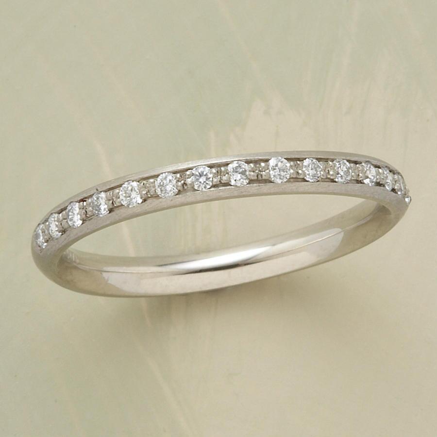 SINGLE ROW WHITE GOLD PAVE DIAMOND RING