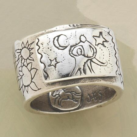 A Jes MaHarry mother and child ring to celebrate that most precious bond.