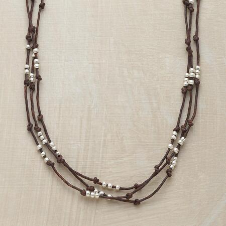 THREE-BEAD LINEN NECKLACE