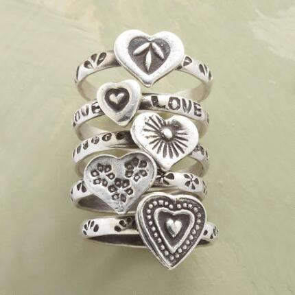 NESTING HEARTS RING SET