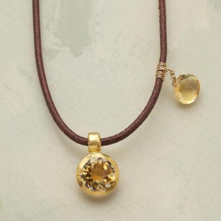 REVELLA NECKLACE