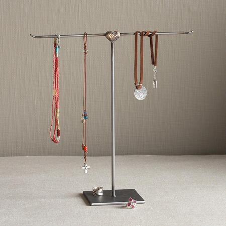 HELPING HEART JEWELRY STAND