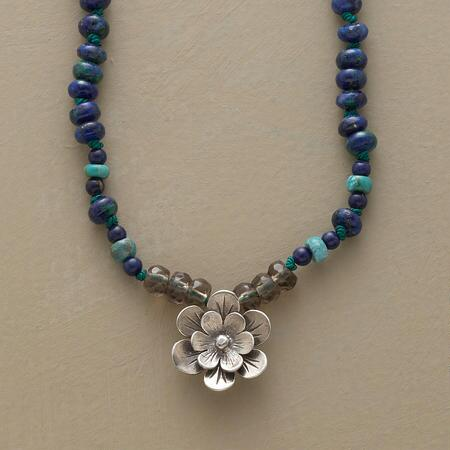 GRANDIFLORA NECKLACE