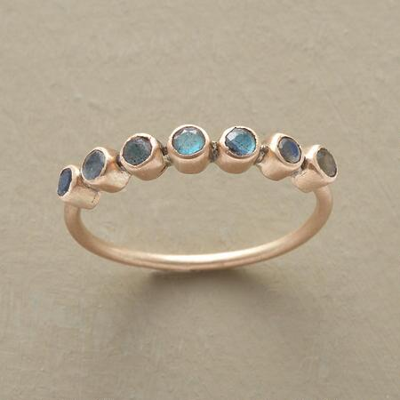 This exquisite rose gold Tiara Ring adds the perfect touch of prettiness to any ensemble.