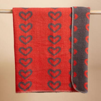 WOOL HEART THROW