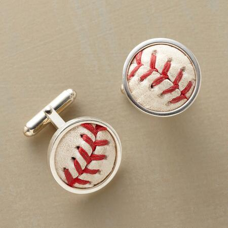 MAJOR LEAGUE BASEBALL CUFF LINK