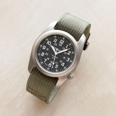 TITANIUM GREEN FIELD WATCH