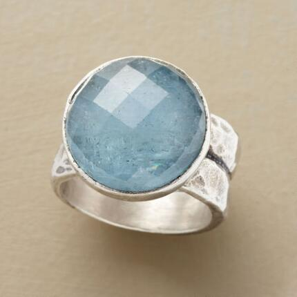 BOUNDLESS AQUAMARINE RING