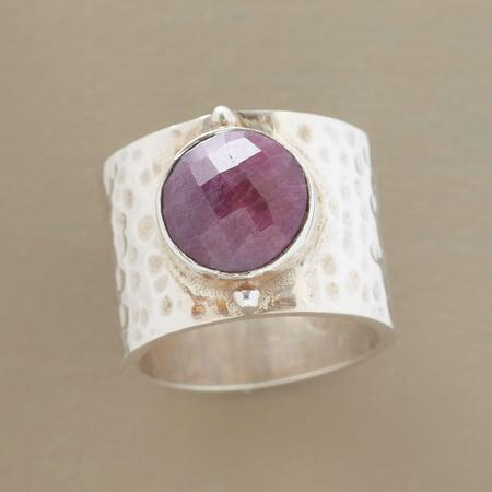 RASPBERRY SOLITAIRE RING