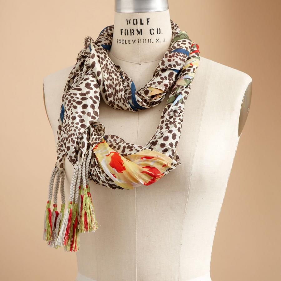 FIERCELY FLORAL SCARF
