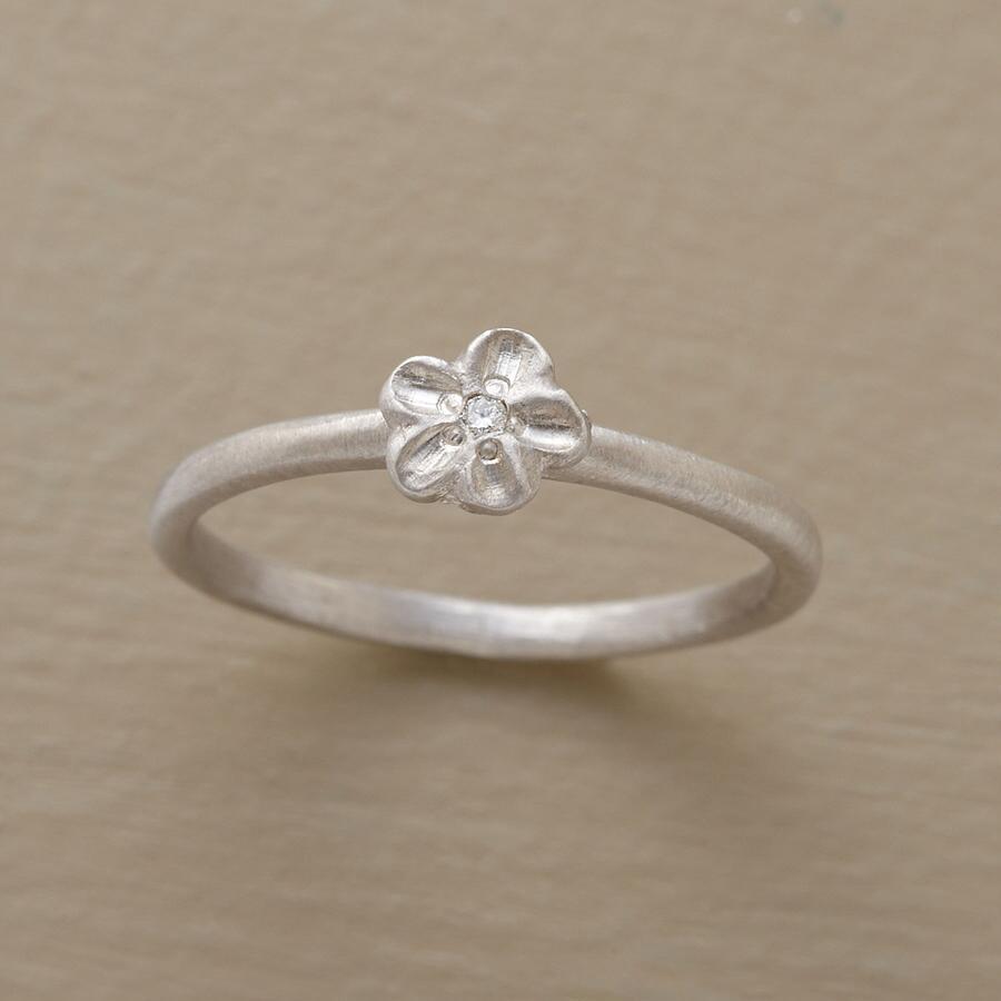 DIAMOND VIOLET RING