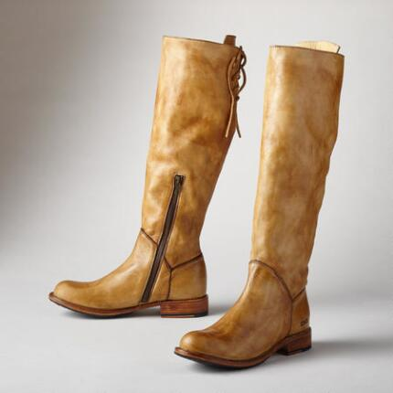Strikingly designed, these leather knee boots can't help but attract attention.