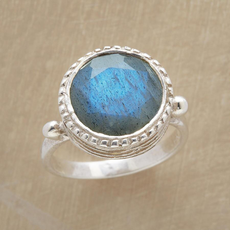 EYE OF PARADISE RING