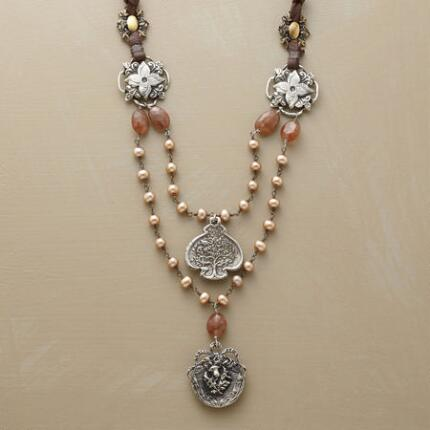 SANTIAGO PEARL NECKLACE