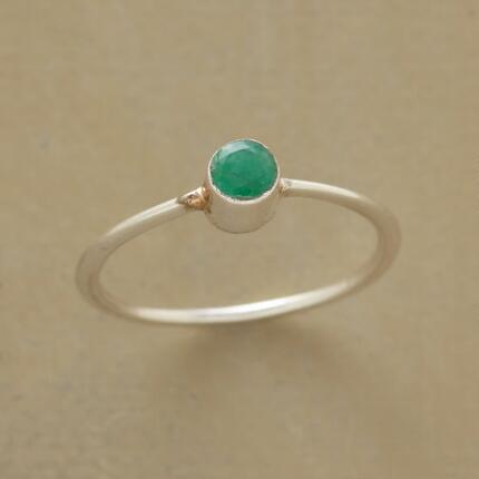 EMERALD CYLINDER RING
