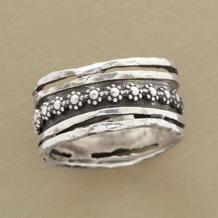 FLORAL SPINNER RING