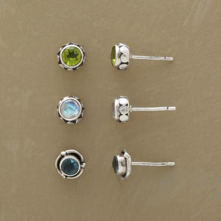 A peridot, moonstone and apatite earrings set that will wear well for any occasion.
