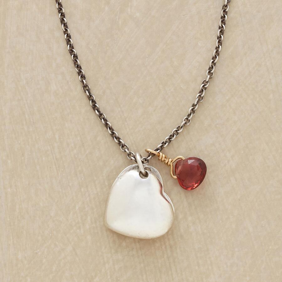 ENGRAVED HEARTS NECKLACE