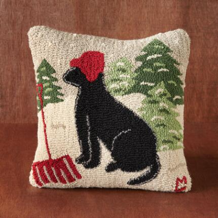 HOOKED WINTER DOG PILLOW