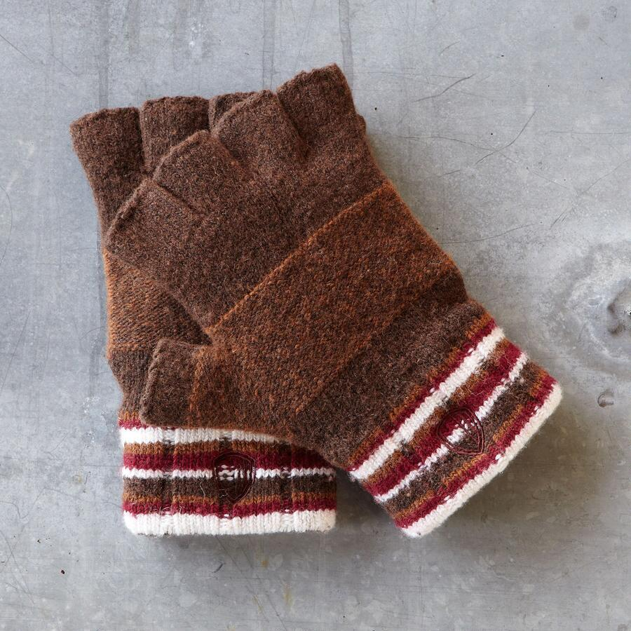 FREE WORLD FINGERLESS GLOVES