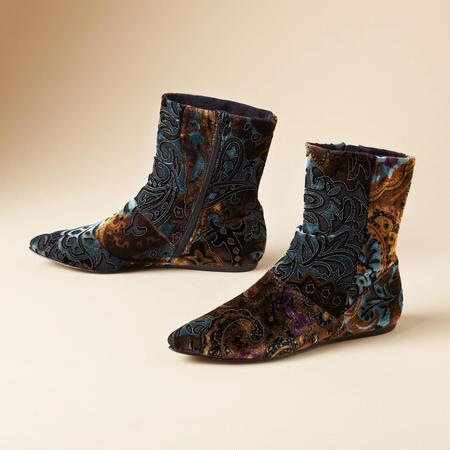 BRIDGIT BOOTS BY BORN CROWN