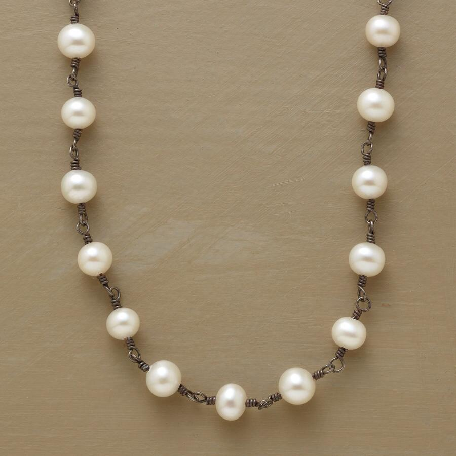 CHAIN OF PEARLS NECKLACE