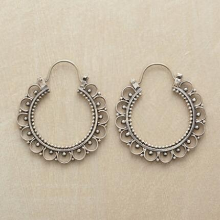 PANTALOON HOOP EARRINGS