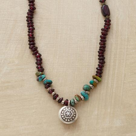 GARNISHED GARNET NECKLACE