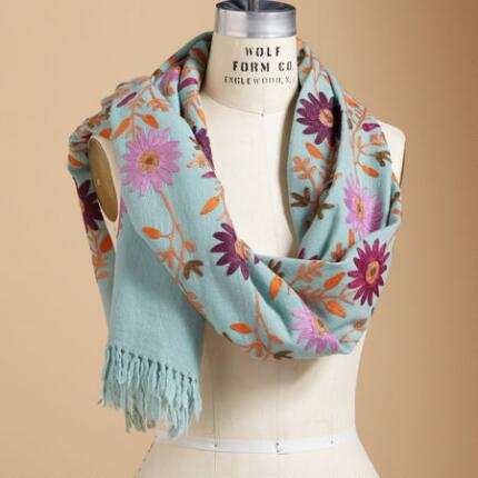 EMBROIDERED FLOWER WOOL SCARF