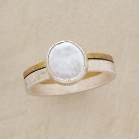 PEARL RICHES RING