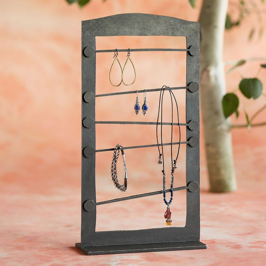 ADJUSTABLE MAGNETIC JEWELRY STAND