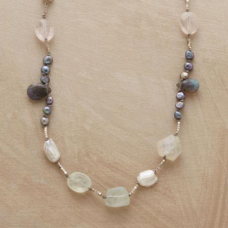 INCANTA NECKLACE