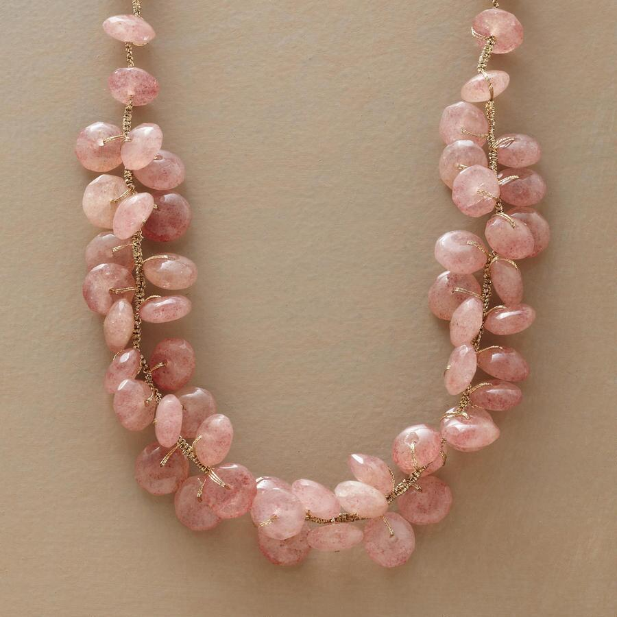 GOLDEN BLUSH NECKLACE