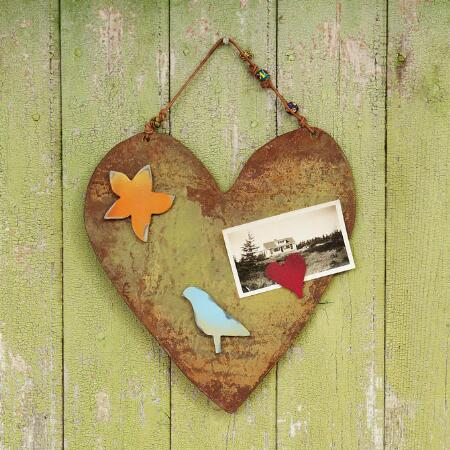SUNNY HEART MAGNET BOARD & MAGNETS