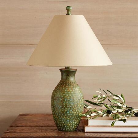 VALLEY VERDE PETITE TABLE LAMP