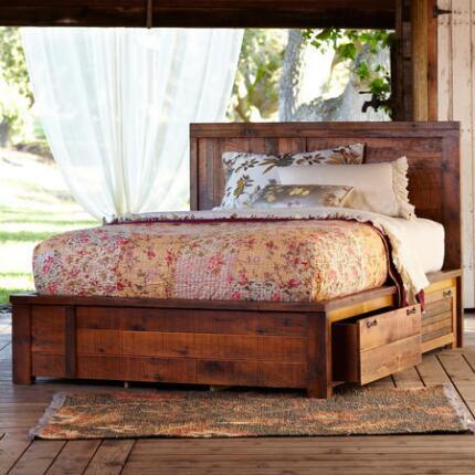BED OF ROSES LIGHTWEIGHT KANTHA QUILT
