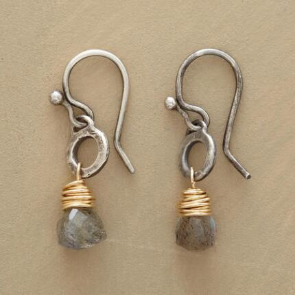These dangling labradorite hoop earrings have a unique design that enchants.