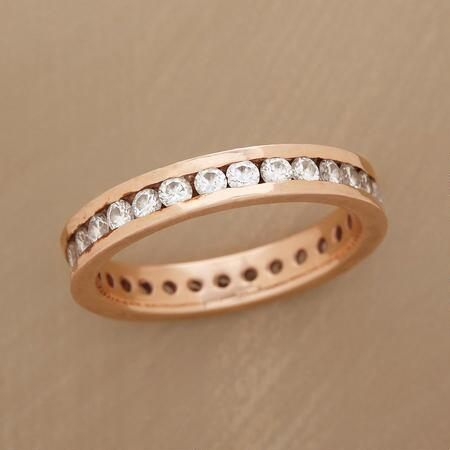 DIAMOND RIVER RING