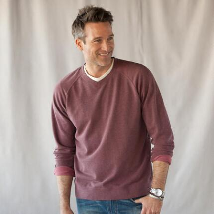 ASHBY V-NECK SWEATSHIRT