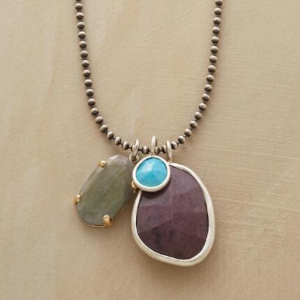 MEANDERING GEMS NECKLACE