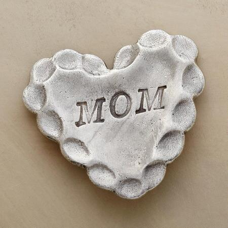 MOM PEWTER TOKEN