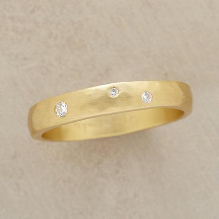 TRIO OF STARS RING