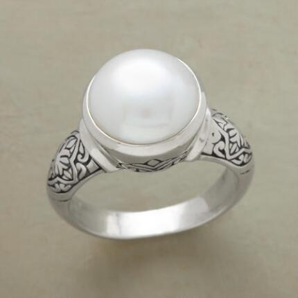 RISING MOON RING