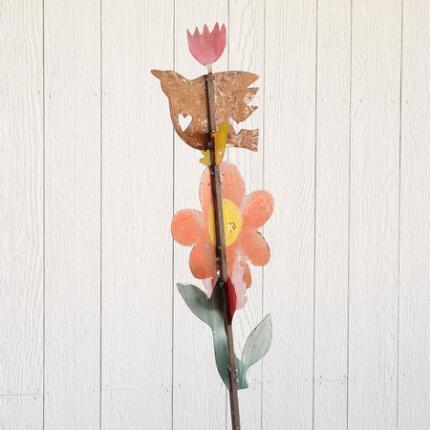 TOTEM GARDEN ART: FLOWER